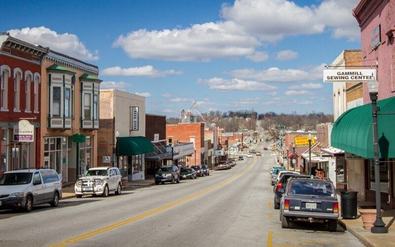 Cfo hero downtown west plains 1 500x800