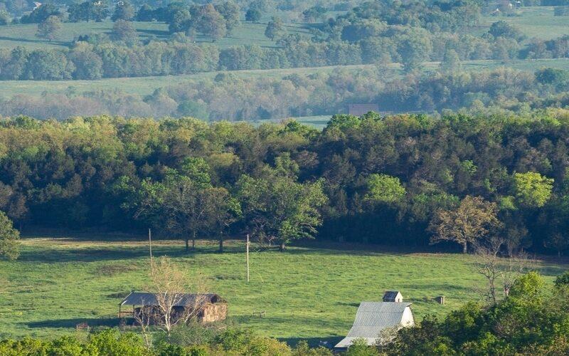 Rural hills barn callout 800x800