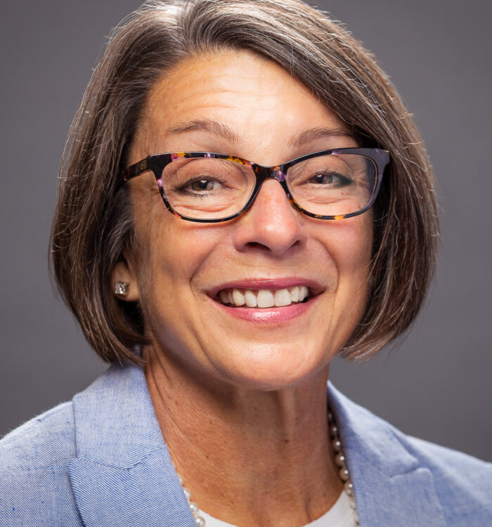 2021 board portraits gail smart web